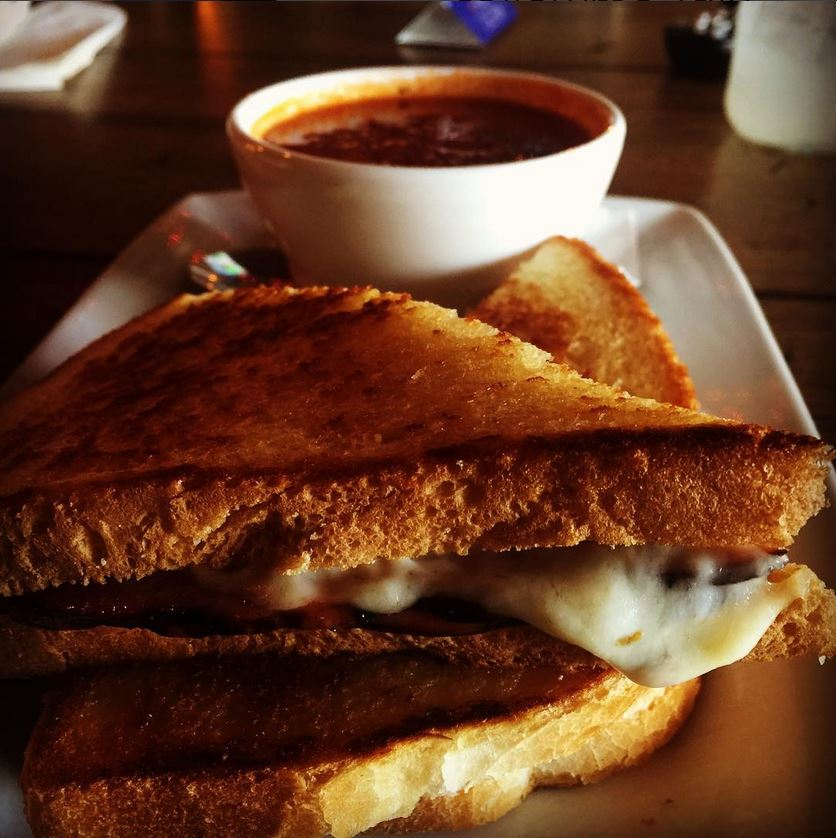 dx_grilled_cheese_with_grn_chili